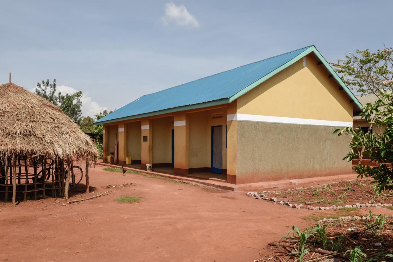 4 new teachers' houses