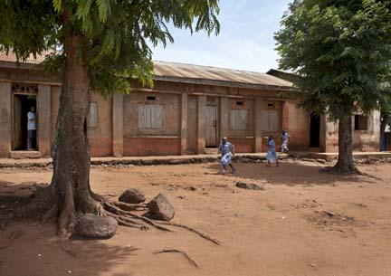 Ugandan 3 classrooms needing renovation